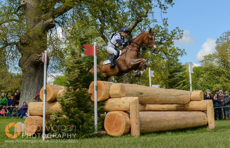 laura collett grand manoeuvre log pile badminton horse trials - Mitsubishi Motors Badminton Horse Trials 2015 - Cross Country