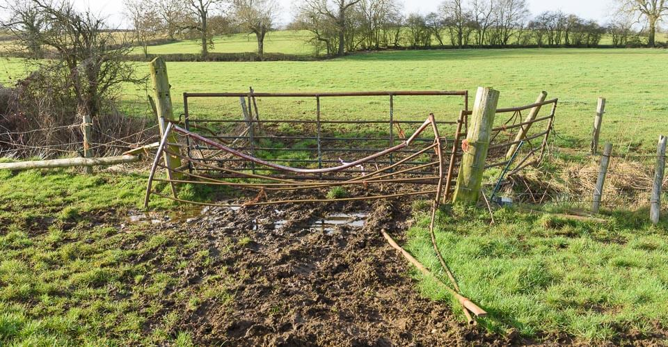 This gate is very close to the direct route but slightly further from the road.