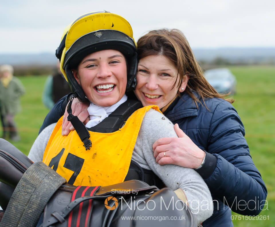 Sophie Walker (3rd overall, 1st Lady, 1st Thoroughbred and 1st Under 25) with her Mother Jo