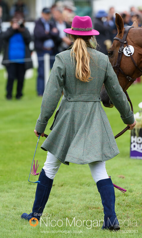 trot up wednesday land rover burghley 184 - Emma Brown Tweed